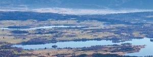 Oberbayern: Blau liegt in der Luft