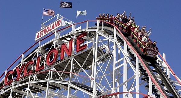 Auf Coney Island können sich Klein und Groß amüsieren