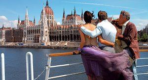 Budapest: Die Donau teilt die ungarische Metropole in Buda und Pest