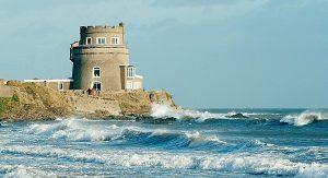 Nahe Dublin können Reisende während ihres Urlaubs im Martello Tower wohnen