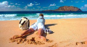 Herrlich: Am Strand relaxen, zum Beispiel auf Lanzarotes Schwesterinsel La Graciosa