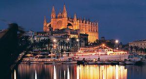 Palma de Mallorca hüllt sich zur Adventszeit in ein stimmungsvolles Licht