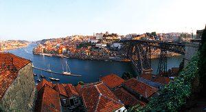 Ein Highlight für Reisende in Porto: Die Stadt vom Wasser aus entdecken