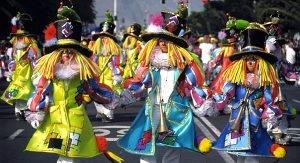 Der Karneval auf Teneriffa ist ein buntes Spektakel für Einheimische und Touristen