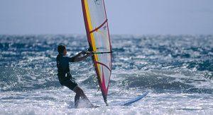 Teneriffa zählt europaweit zu den beliebtesten Plätzen für Taucher, Surf-Cracks oder Hobby-Kiter.