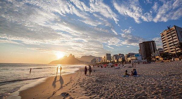 Rio de Janerio: Beach-Life gehört zum Lebensgefühl der Brasilianer. Die Stadt hat aber noch viel mehr zu bieten.