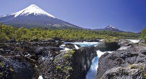 Wanderungen in Chile, etwa zum Osorno-Vulkan, bieten immer wieder atemberaubende Ausblicke