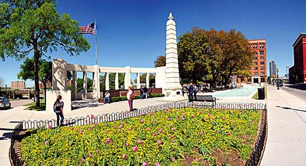 Im Sixth Floor Museum am Dalaz Plaza können sich Reisende über John F. Kennedy informieren