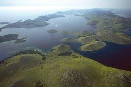 In Dalmatinien gibt es viele kleine Inseln. Hier die weiter nördlich gelegenen Kornaten.