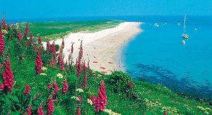 Kanalinseln: Jedes Eiland bietet viel Natur mit tollen Stränden und grünen Tälern