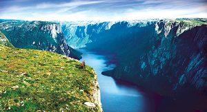 Mit seiner spektakulären Naturlandschaft an der Westküste Neufundlands beeindruckt der Gros Morne National Park Outdoorfans aus aller Welt.