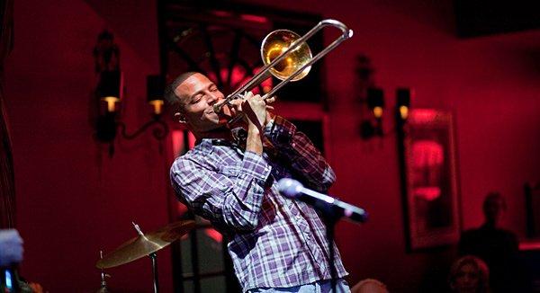 """Einzigartige Musik-Acts erleben New Orleans-Urlauber z.B. im """"Irvin Mayfield Playhouse"""" direkt auf der Bourbon Street"""
