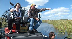 Orlando mal anders: mit einem Airboat fahren, in den Baumwipfeln radeln oder mit Manatees schwimmen