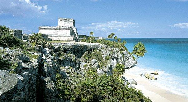 Die Maya-Stätte Tulum besticht mit ihrer spektakulären Lage (Bild: Mexikanisches Fremdenverkehrsbüro)