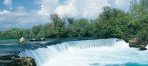 Ausflüge zu wunderschönen Wasserfällen machen den Urlaub zu einem Naturerlebnis