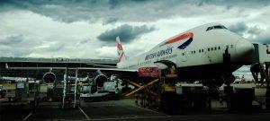 """Mehr Menschen fliegen, aber die Zahl der vermissten Gepäckstücke sinkt. Dies zeigt der """"Baggage Report 2015"""" der unabhängigen Luftfahrtgenossenschaft Sita. Im Schnitt kamen im Jahr 2014 7,3 falsch zugestellte Gepäckstücke auf 1.000 Passagiere - 2007 waren es noch 18,9."""