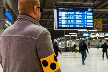 Fliegen-sparen.de gibt Tipps für Urlauber mit Handicap