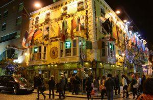 """""""The Oliver St. Gogarty"""": Einer der 40 Pubs im Temple Bar Bezirk"""