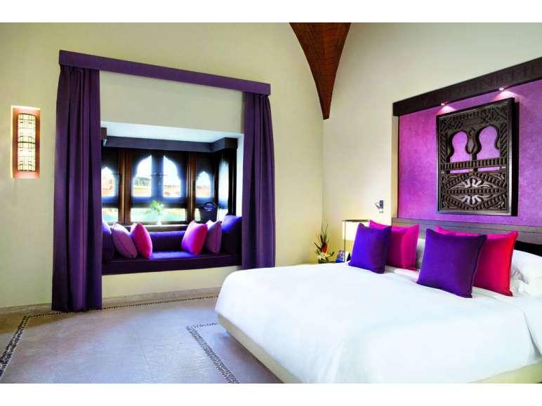oman zimmer lidl fliegen sparen. Black Bedroom Furniture Sets. Home Design Ideas