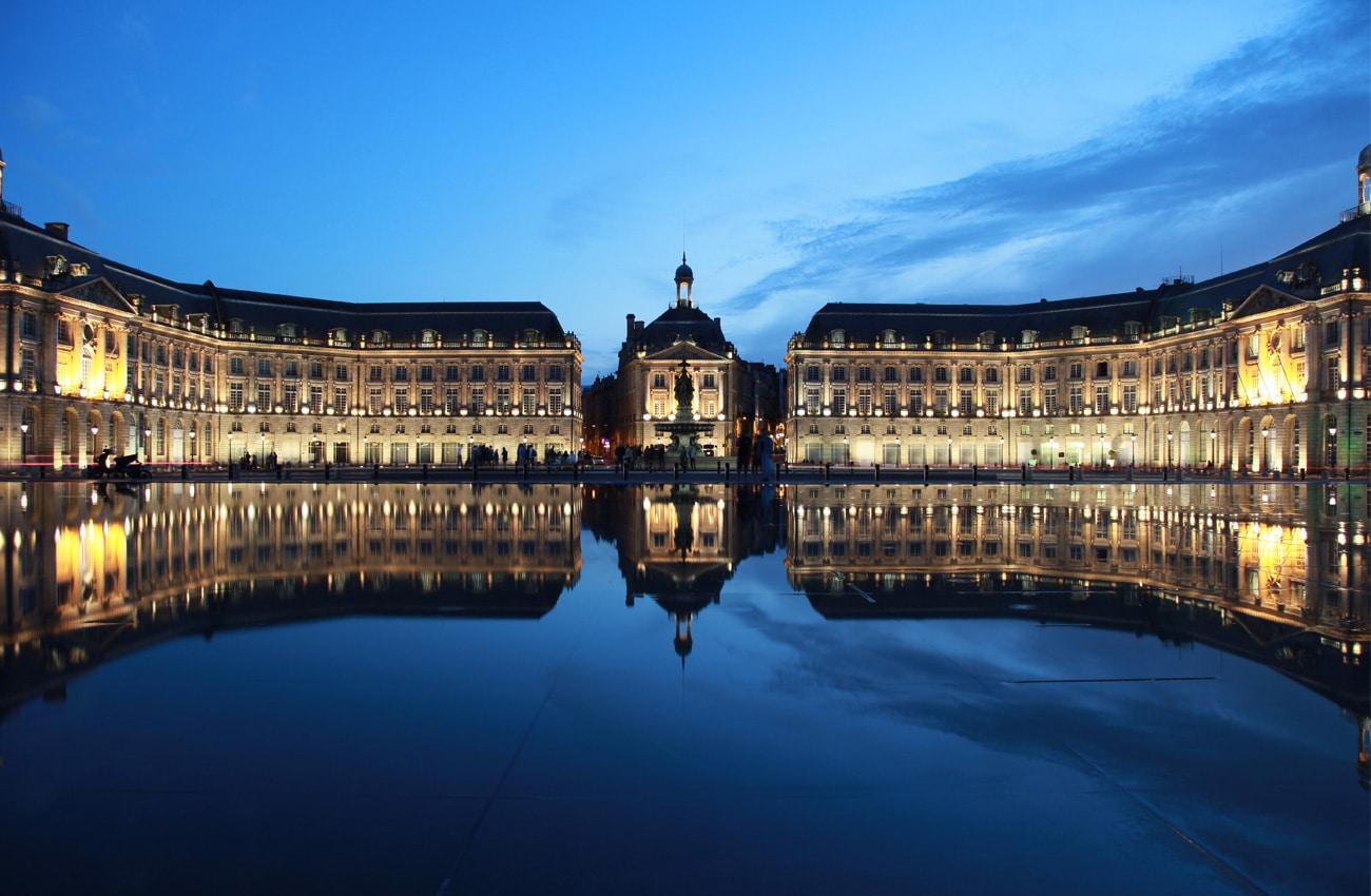 Der Place De La Bourse ist das Must-see in Bordeaux.