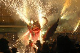 Fiesta de Sant Joan: Ein leuchtendes Feuer-Spektakel auf Mallorca