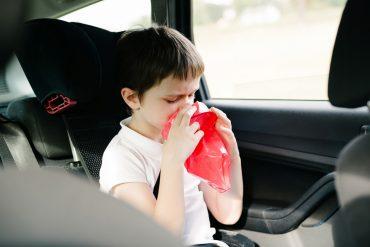 Die richtige Atemtechnik kann bei Reisekrankheit helfen
