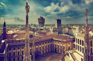 Der Königspalast gehört zu den Hauptsehenswürdigkeiten in Mailand.