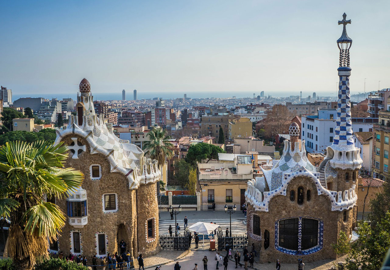 In Barcelona lassen sich viele malerische Stadtteile entdecken