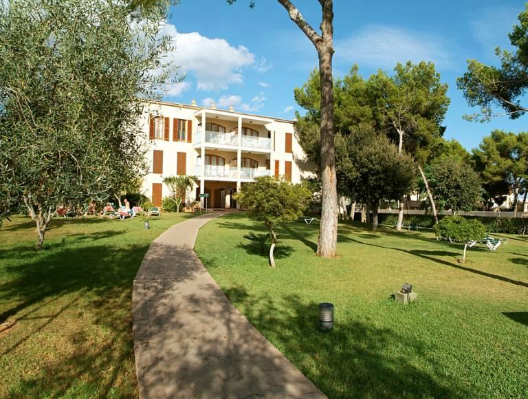 Aparthotel protur floriana resort garten fliegen sparen for Appart hotel karlsruhe