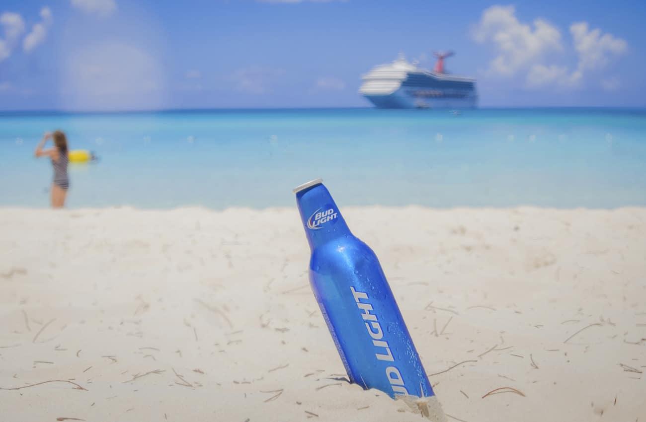 Ein kühles Bier gehört für Viele zum Urlaub dazu.