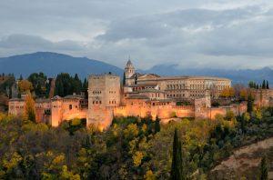 Mit dem Mietwagen lässt sich in Andalusien viel entdecken.