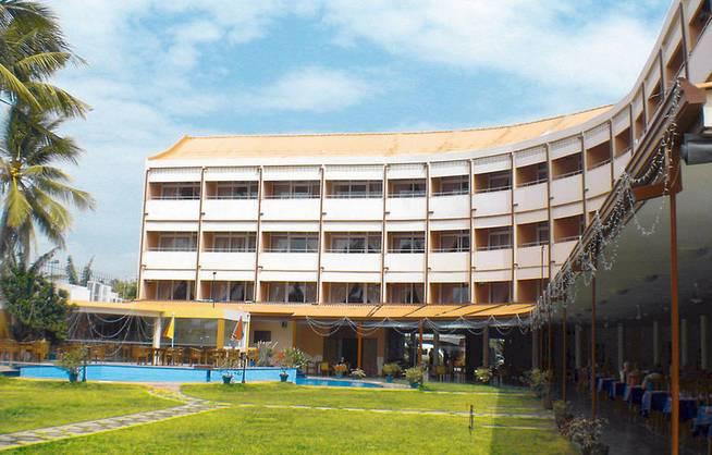 Negombo/Paradise Beach Hotel - Außenansicht