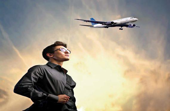 Mann mit Flieger