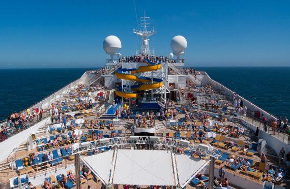An Bord eines Kreuzfahrtschiffes