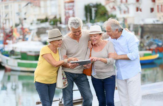Senioren die reisen